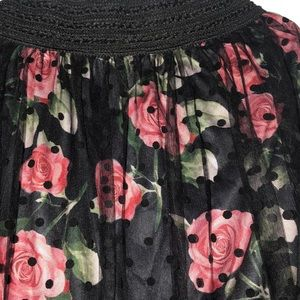 Dresses & Skirts - Rose with dots skirt